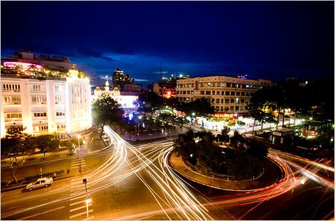 http://pimpampret.files.wordpress.com/2009/03/saigon-downtown.jpg