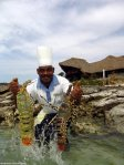 Medjumbe_chef_with_Mozambique_lobsters